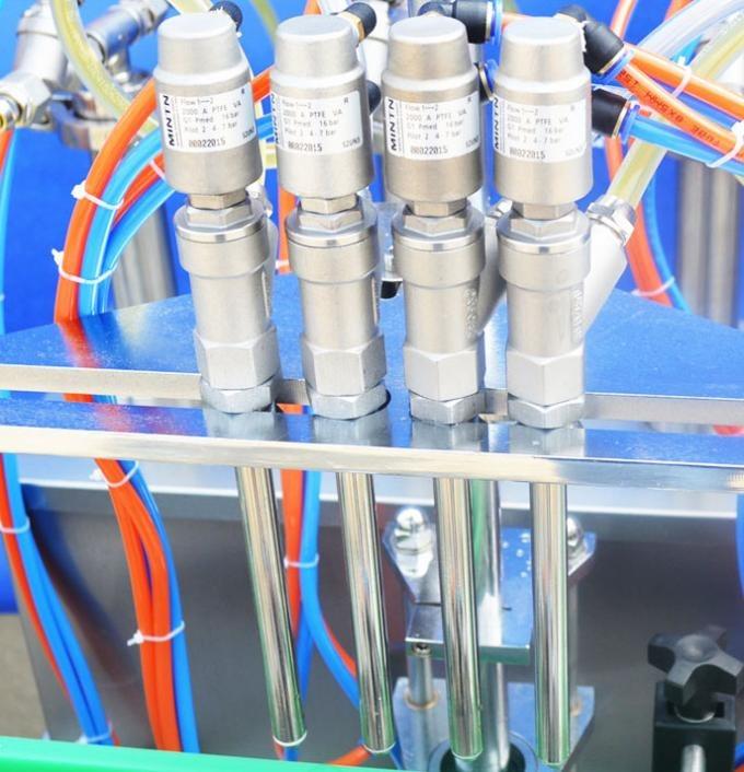 Klaaspudeli automaatne vedeliku täitmise masin